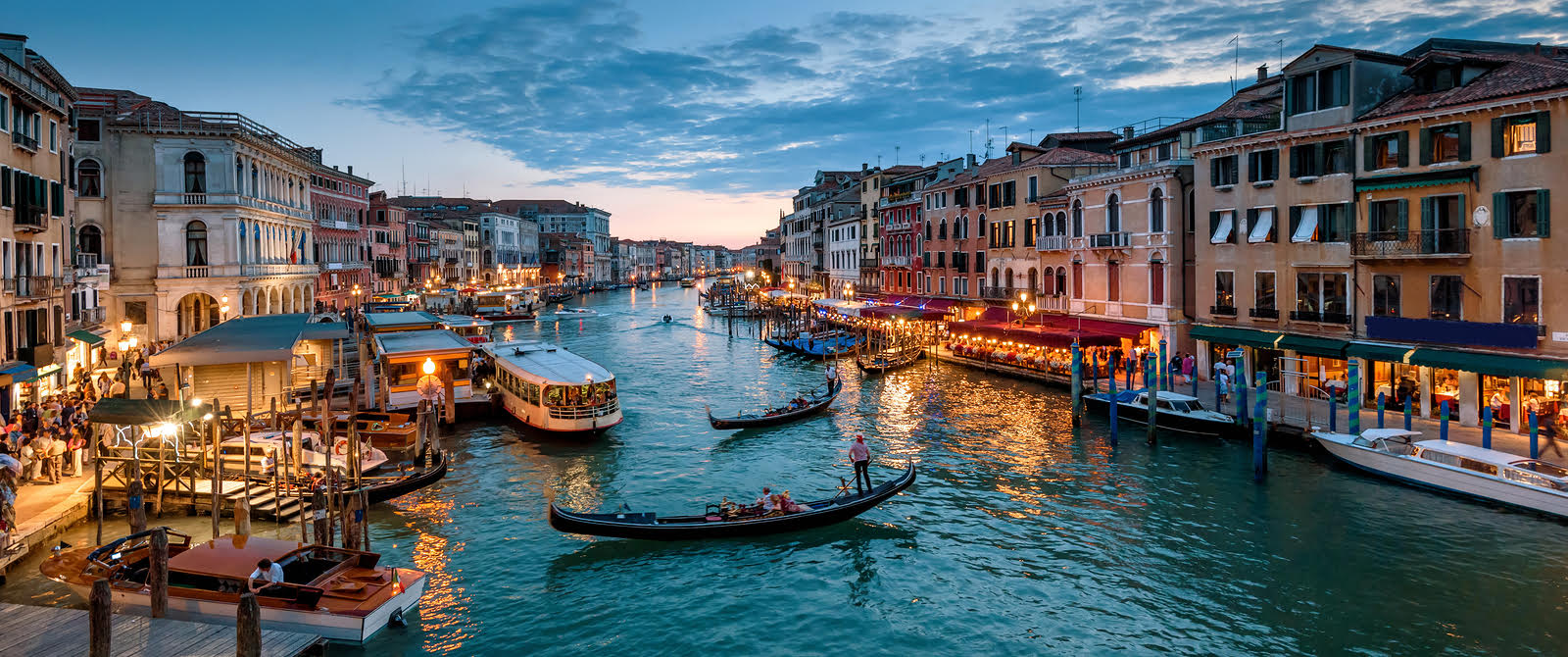 How to Take Landscape Photos concept - Venice sunset